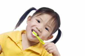 girl-brushing-teeth